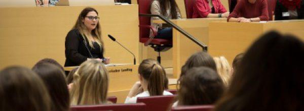 Mädchenparlament 2016 (Pressemitteilung)